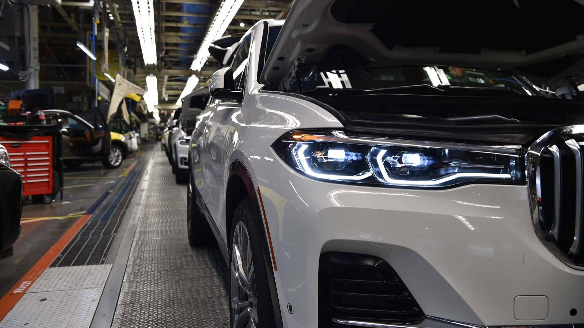 bmw-x7-pre-production.jpg