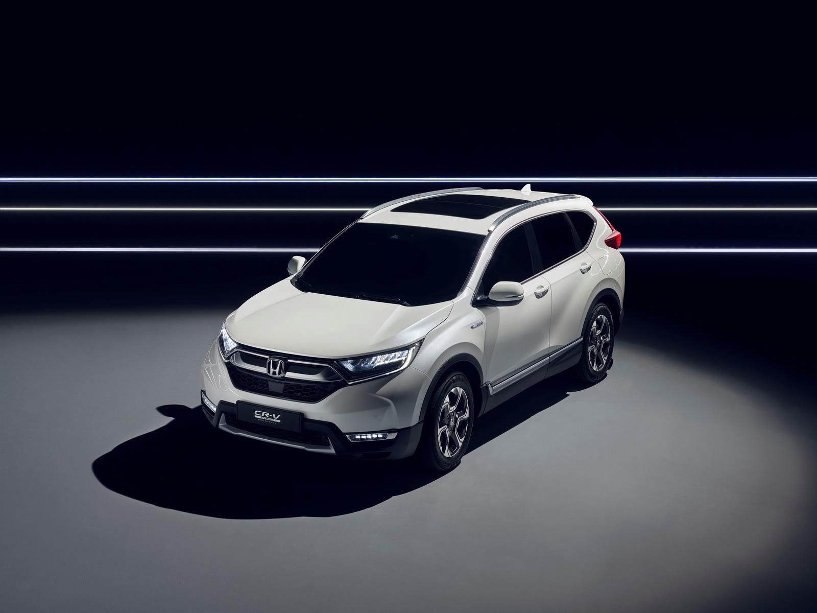 2018-honda-cr-v-hybrid-prototype-1.jpg