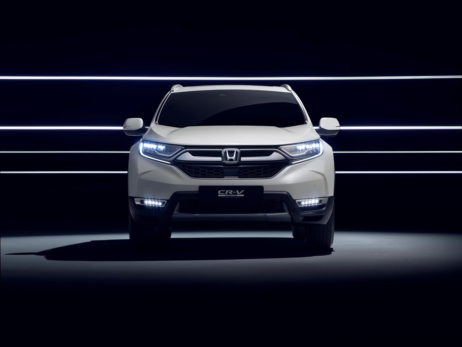 2018-honda-cr-v-hybrid-prototype-2.jpg