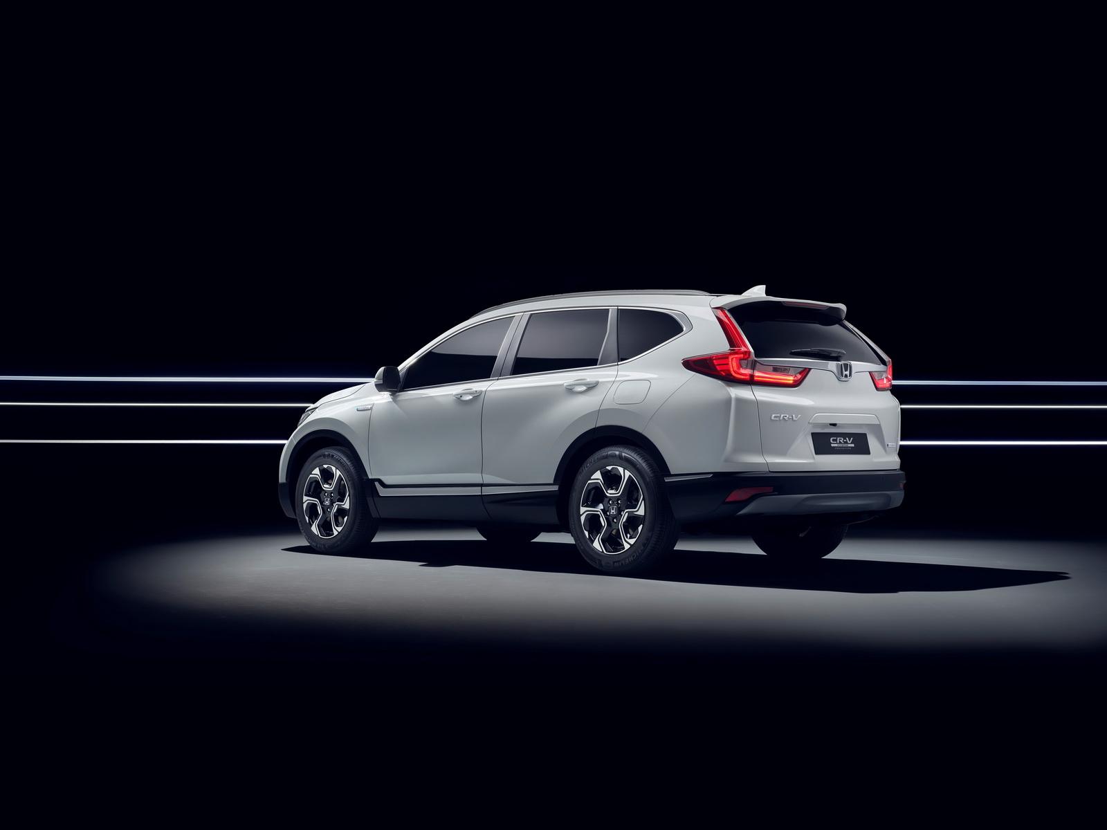 2018-honda-cr-v-hybrid-prototype-4.jpg
