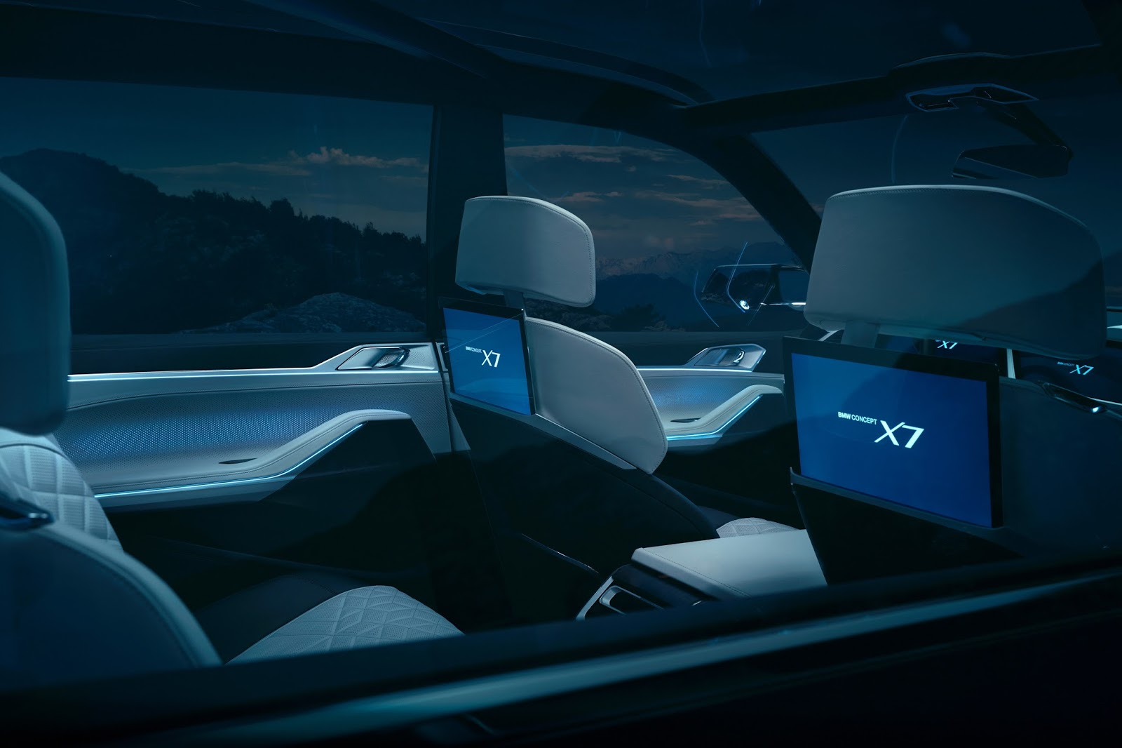 BMW-X7-iPerfomance-Concept-8.jpeg