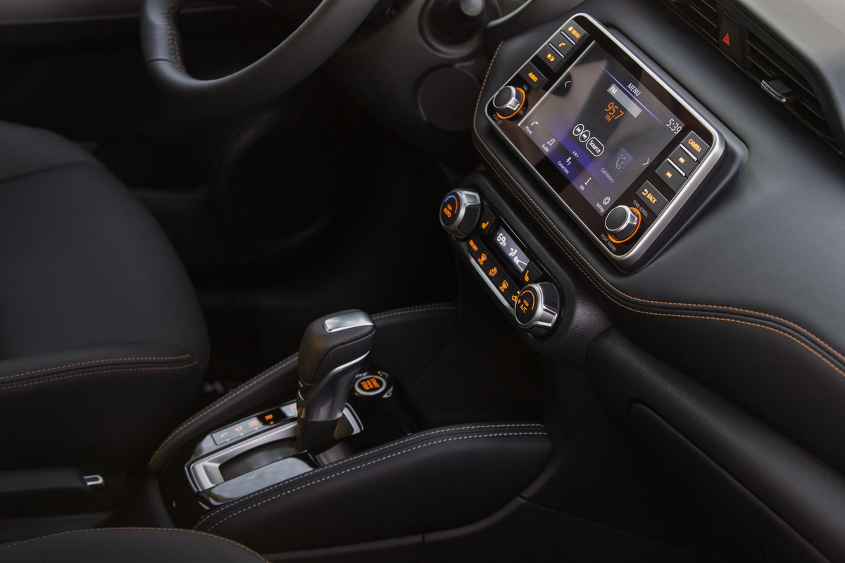 2018_Nissan_KICKS_Interior_3.jpg