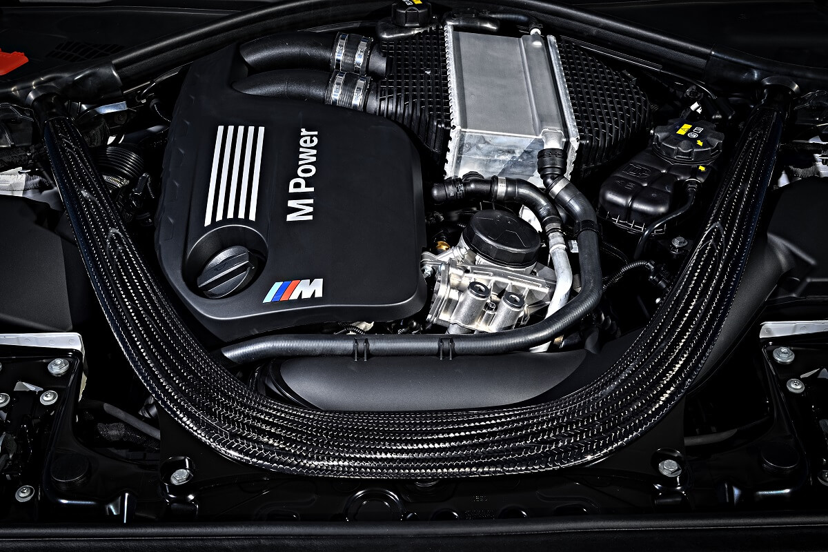 P90298683_highRes_the-new-bmw-m2-compe.jpg