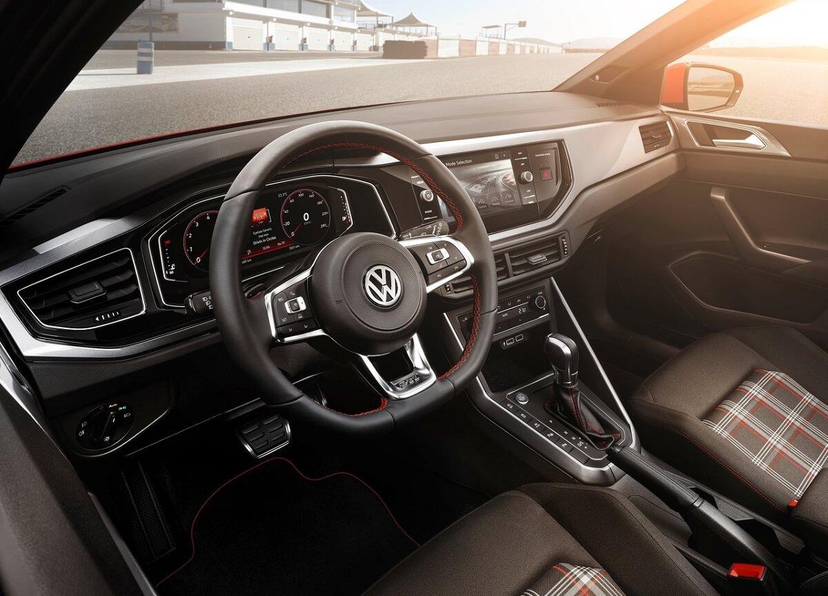 Volkswagen-Polo_GTI-3.jpg