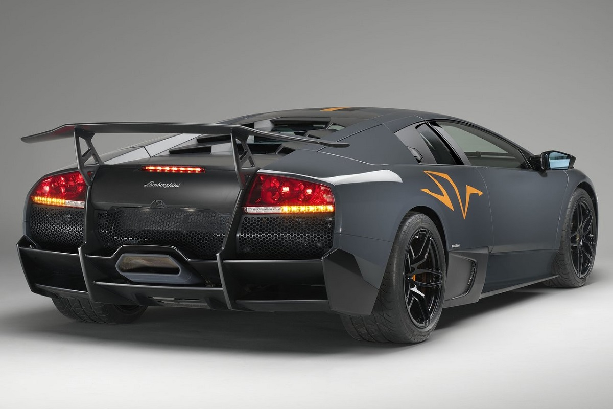 Lamborghini-Murcielago_LP670-4_SV_China_Edition-2010-1.jpg