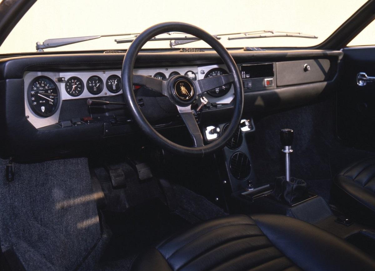 Lamborghini-Urraco-1972-1.jpg