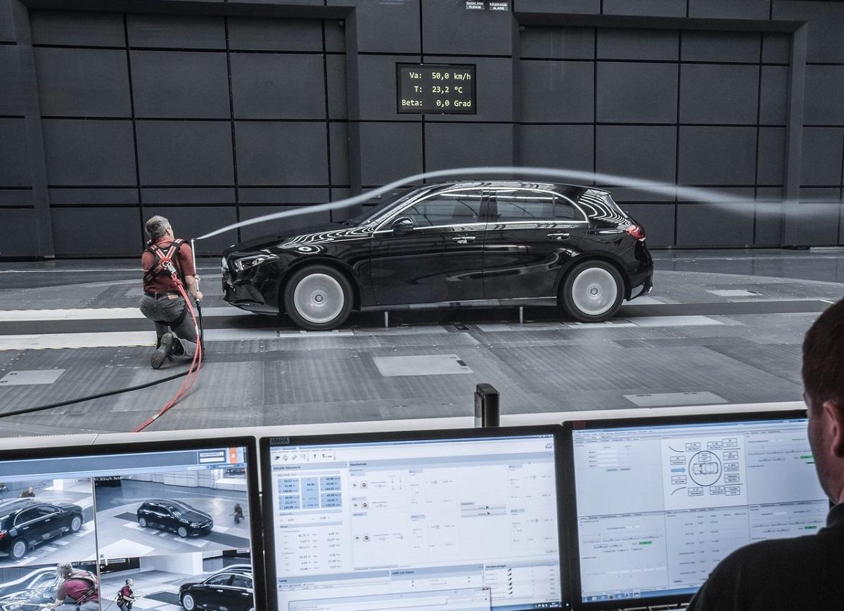Mercedes-Benz-A-Class-2019-2.jpg