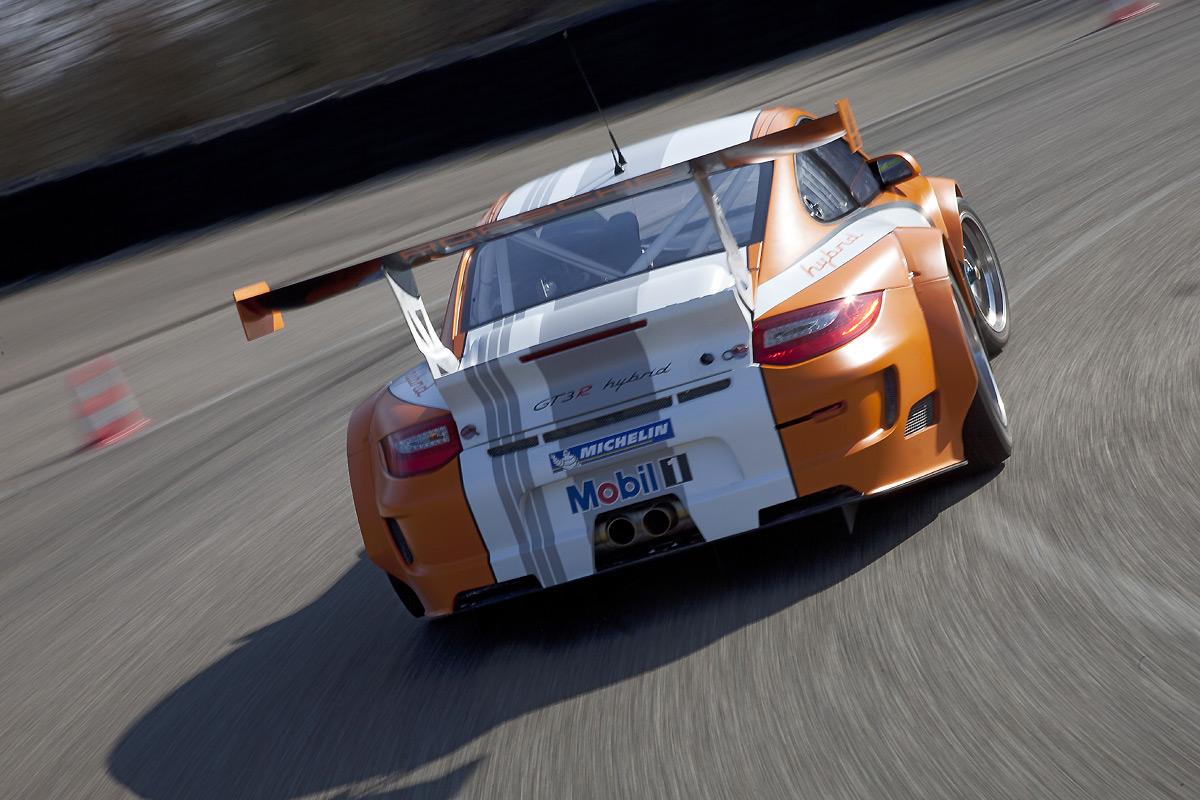 Porsche-911_GT3_R_Hybrid_2.0-2011-1.jpg