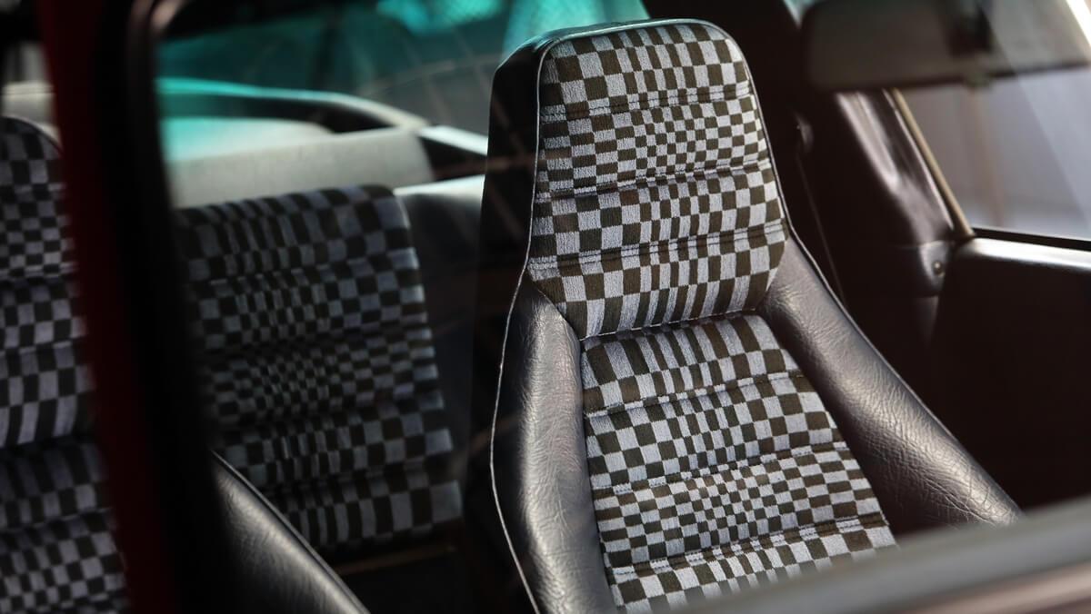 1222041_top_5_series_most_famous_porsche_seat_designs_2018_porsche_ag.jpg