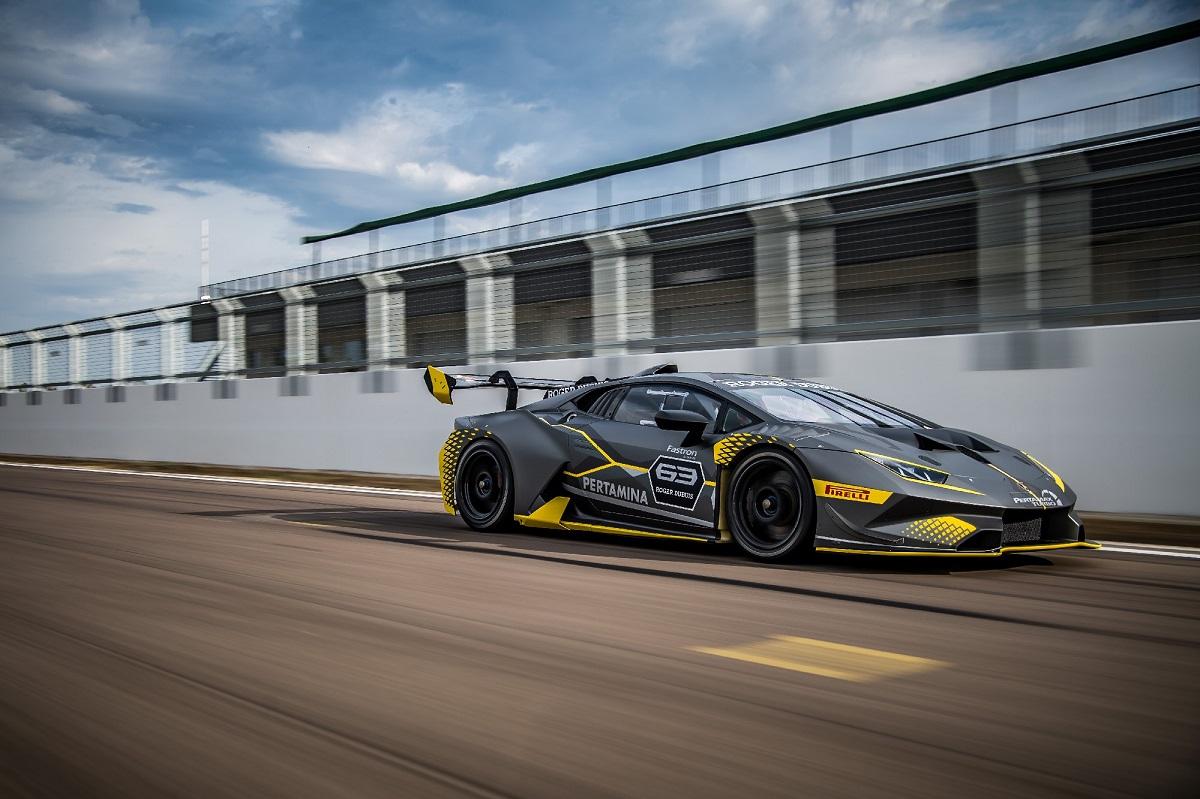 Lamborghini Huracán Super Trofeo EVO (2).jpg