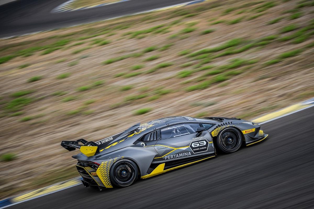 Lamborghini Huracán Super Trofeo EVO (3).jpg