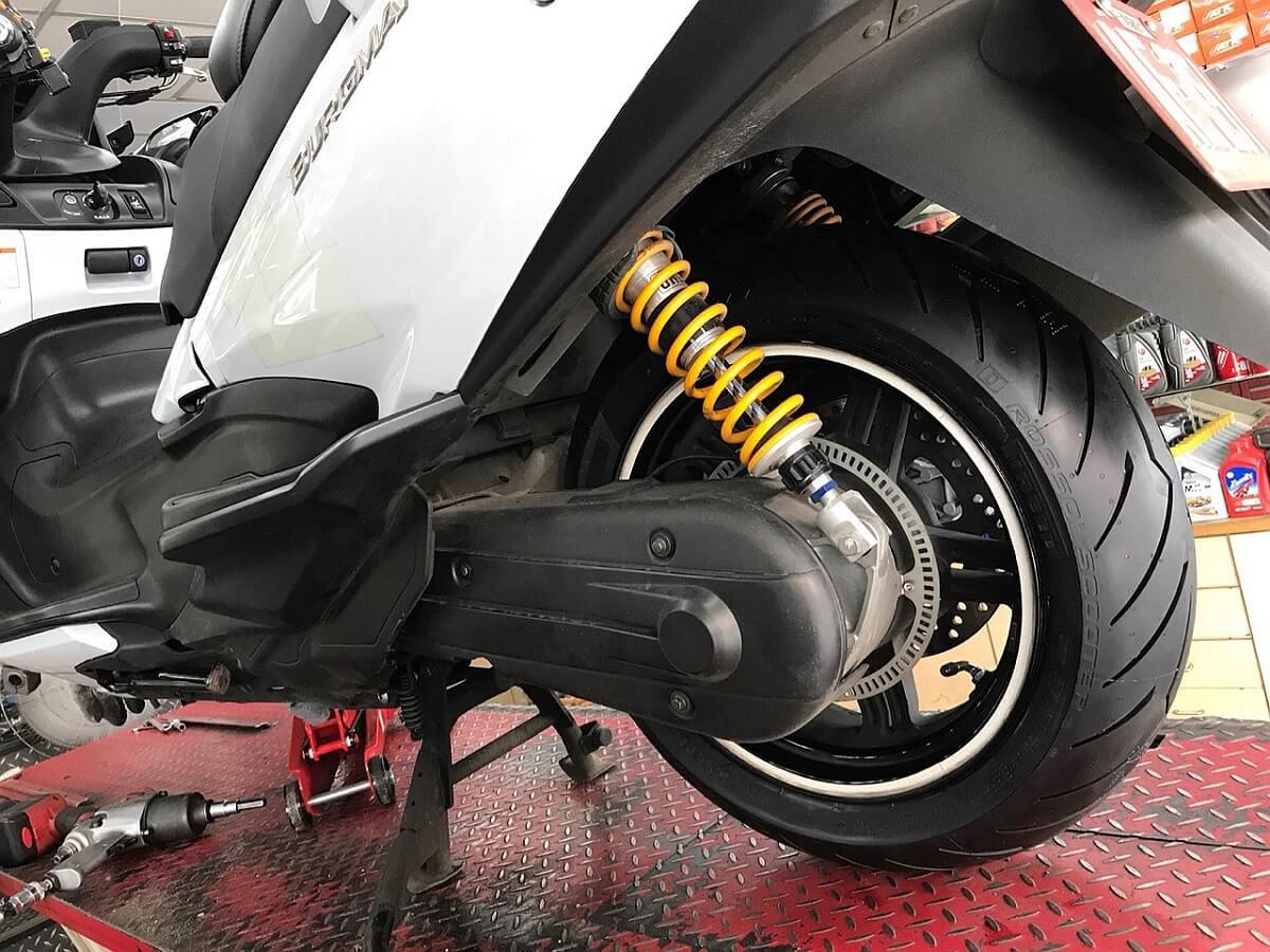 Pirelli_DiabloRossoScooter (4).jpg