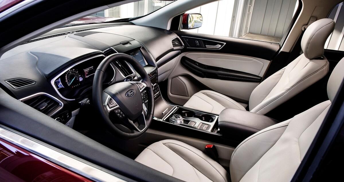 2019-Ford-Edge-Titanium-5.jpg