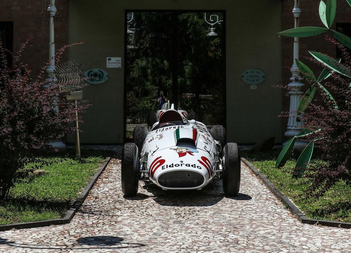Maserati-Eldorado_Racecar-1958 (7).jpg
