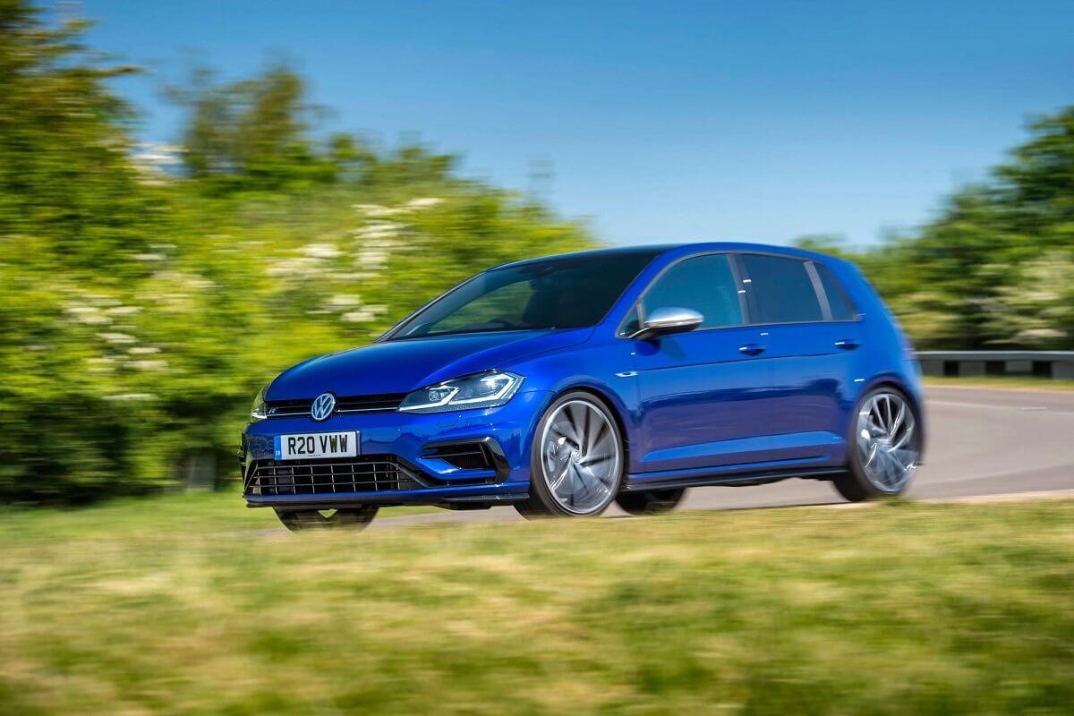 2018_Volkswagen_Golf_R_Performance_Pack_b.jpg
