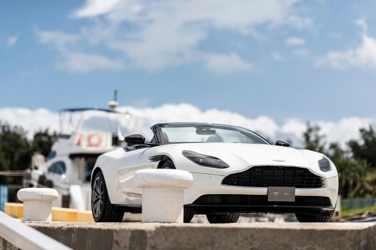 Aston Martin 3.jpeg