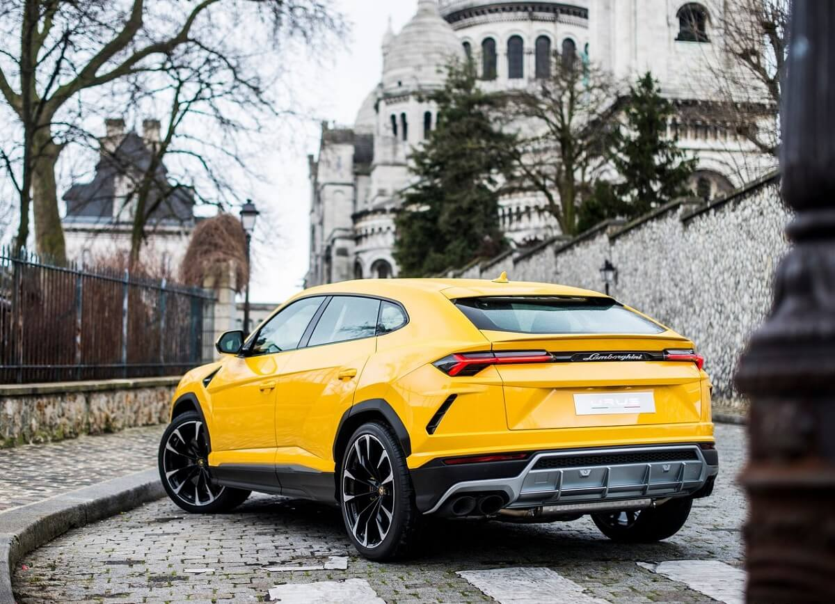 Lamborghini-Urus-2019 (2).jpg