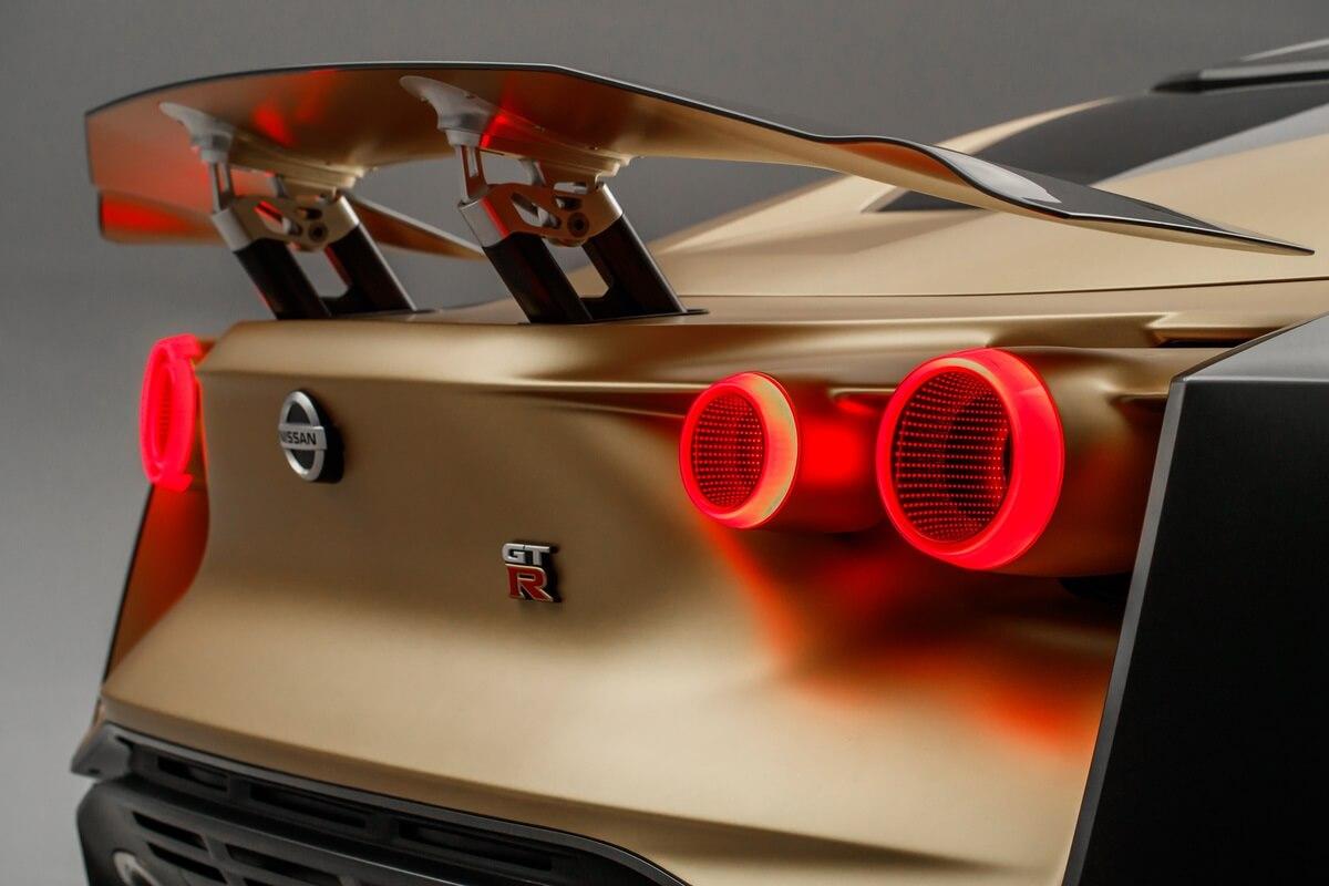 Nissan_GT_R50_by_Italdesign___Studio_Photo_08.jpg