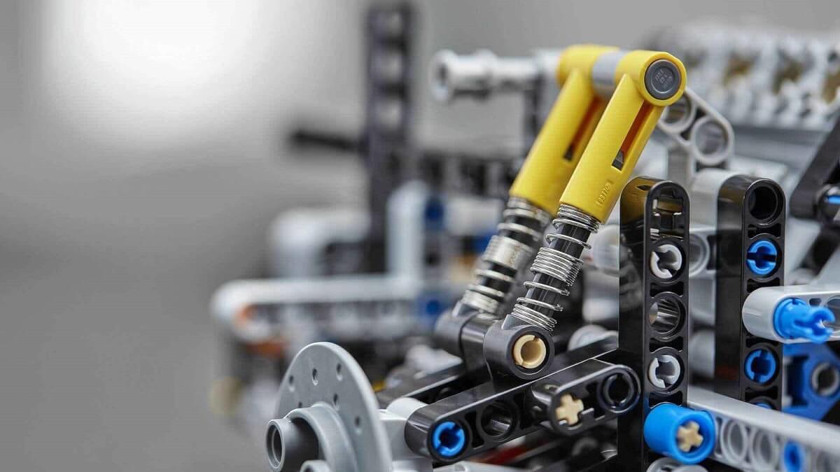 bugatti-chiron-lego (9).jpg