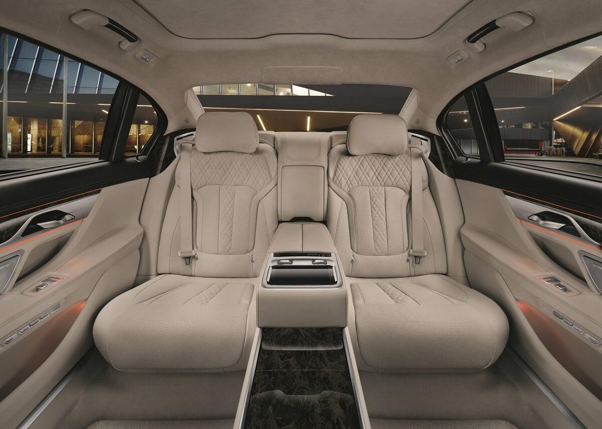 BMW7 (5).jpg