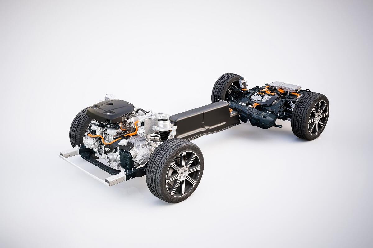 205095_The new Volvo XC60 - T8 powertrain.jpg