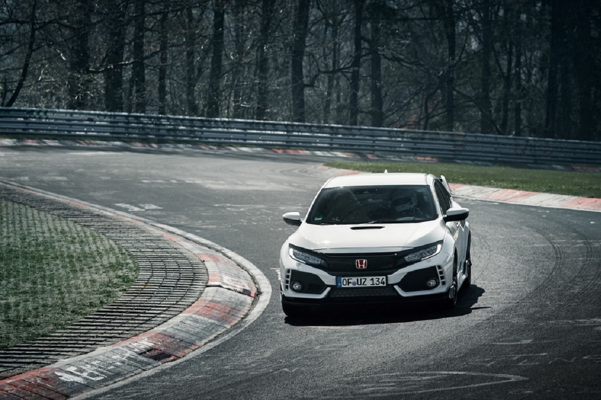 honda-civic-type-r-takes-down-nurburgring-lap-record-for-a-fwd-car.jpg