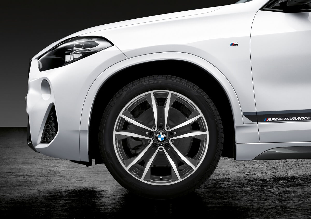 P90295141_highRes_the-new-bmw-x2-with-.jpg