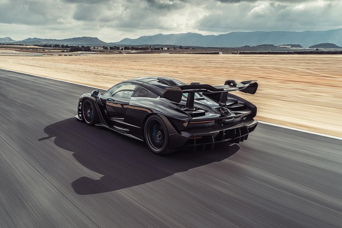 8984-McLaren+Senna_dynamic_02.jpg
