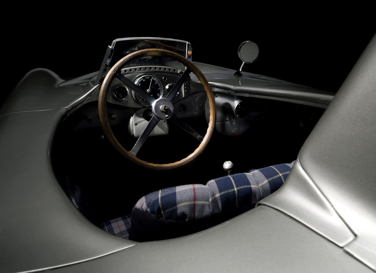 Mercedes-Benz-300_SLR 1955.jpg