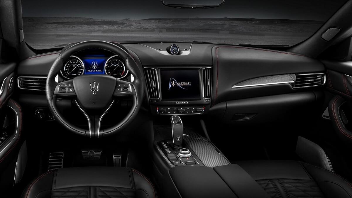 Maserati-Levante-Trofeo-V8-Dashboard-Carbon-trim.jpg