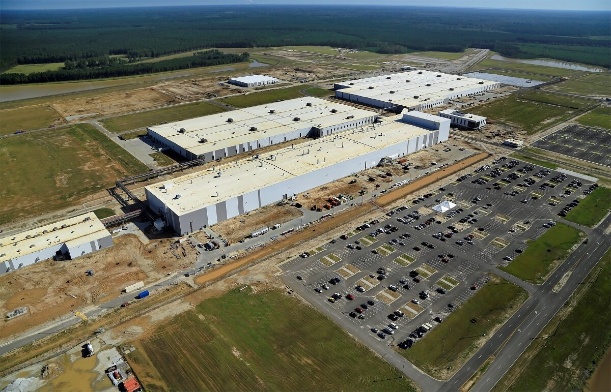 214081_South_Carolina_manufacturing_plant.jpg