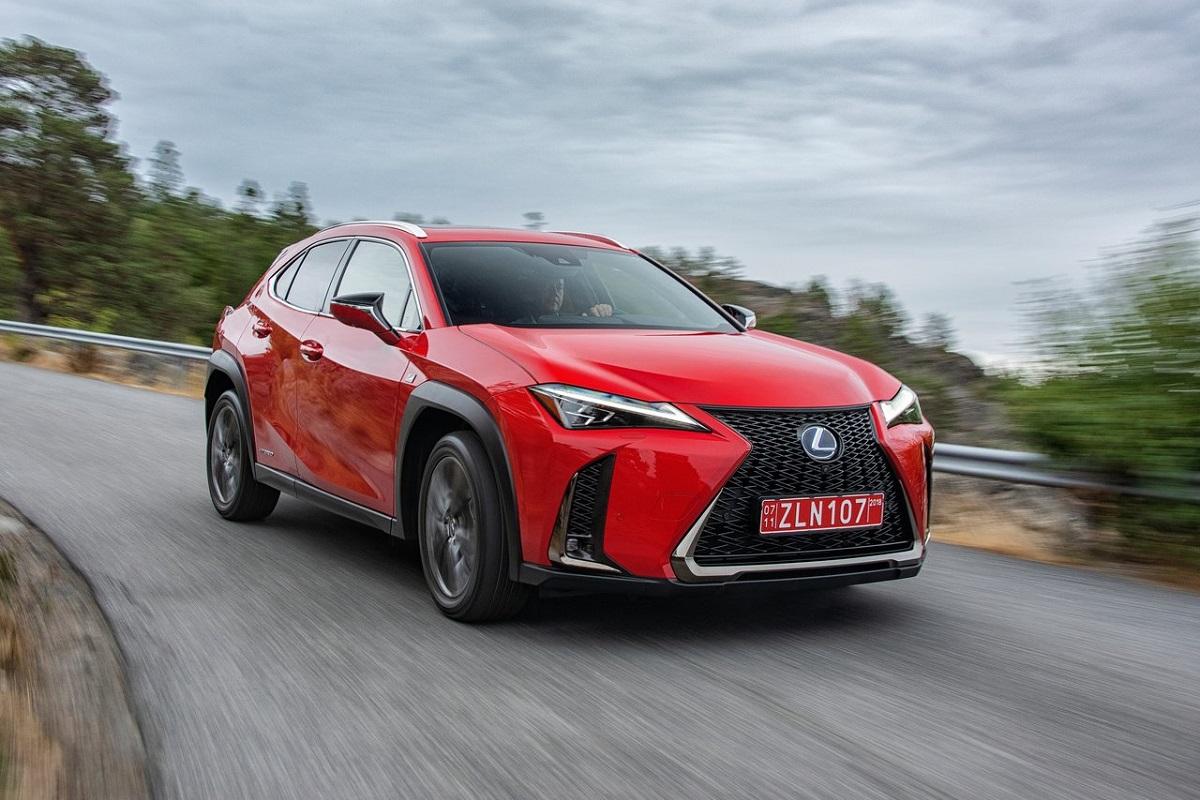 Lexus-UX-2019-1.jpg