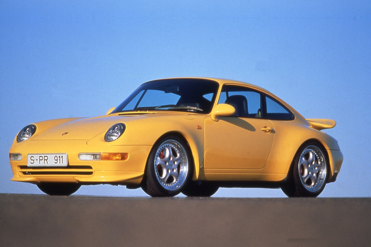 Porsche-911_Carrera_RS-1995.jpg