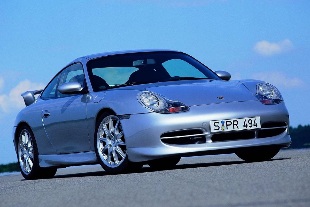 Porsche-911_GT3-2000.jpg