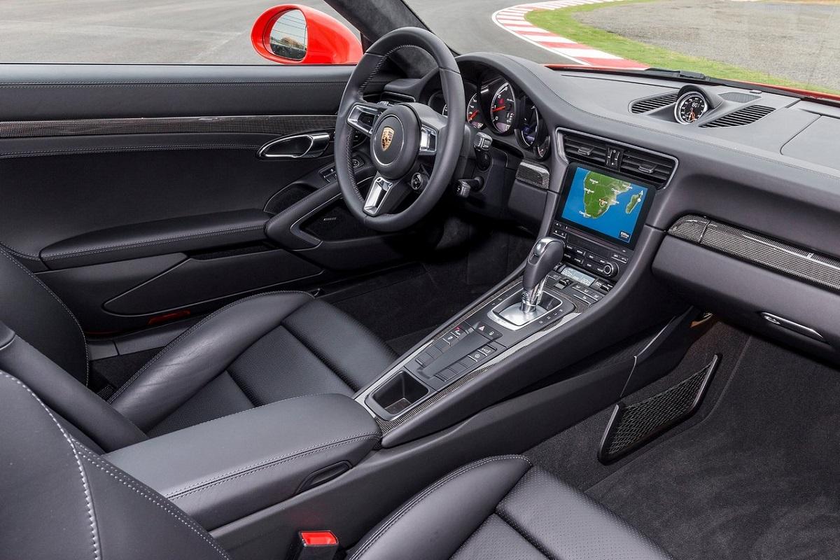 Porsche-911_Turbo_S-2016.jpg