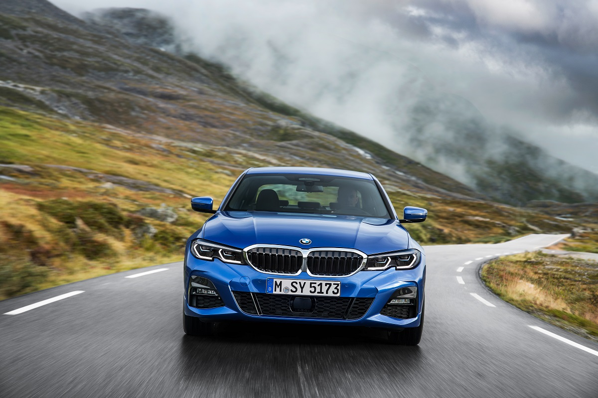 P90323667_highRes_the-all-new-bmw-3-se.jpg