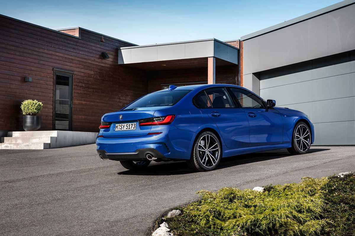 P90323681_highRes_the-all-new-bmw-3-se.jpg