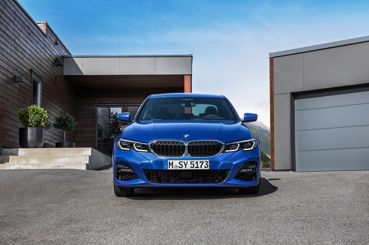 P90323683_highRes_the-all-new-bmw-3-se.jpg
