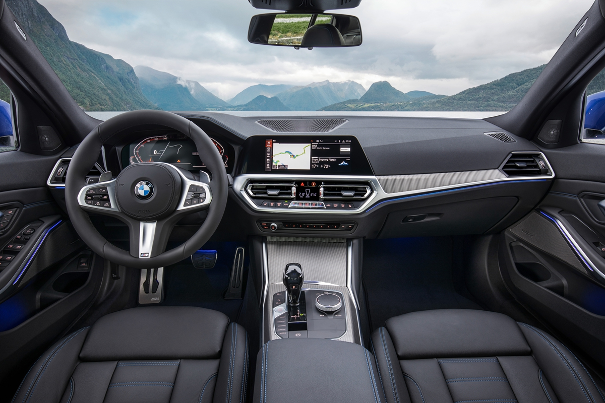 P90323693_highRes_the-all-new-bmw-3-se.jpg