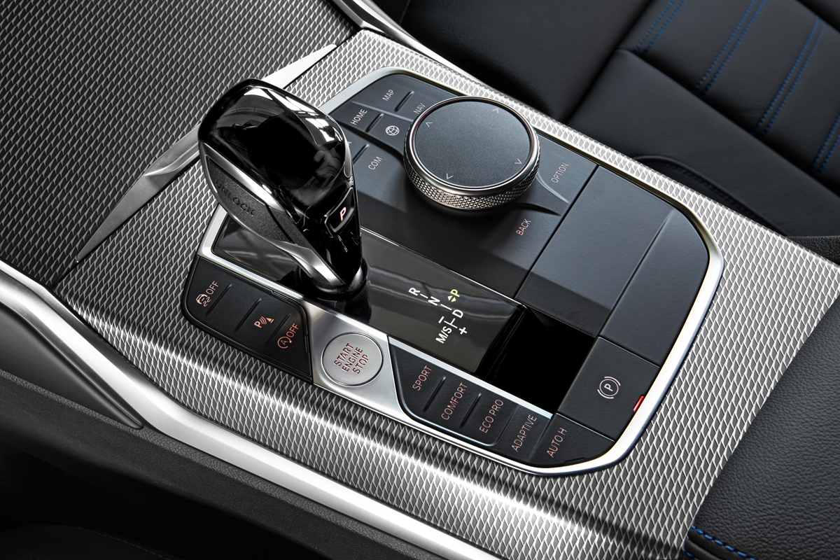 P90323699_highRes_the-all-new-bmw-3-se.jpg