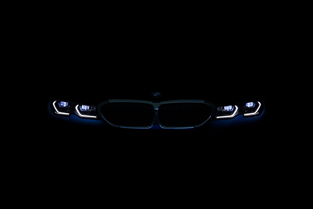 P90323768_highRes_the-all-new-bmw-3-se.jpg