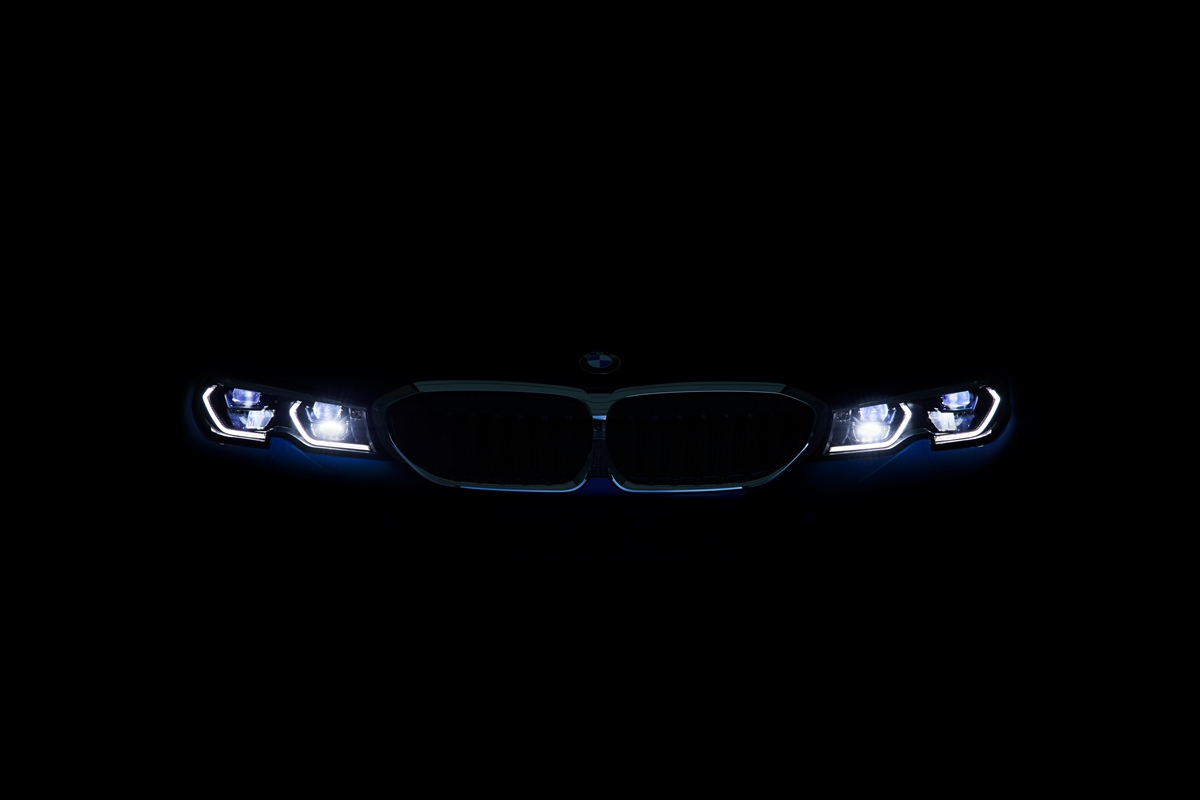 P90323769_highRes_the-all-new-bmw-3-se.jpg