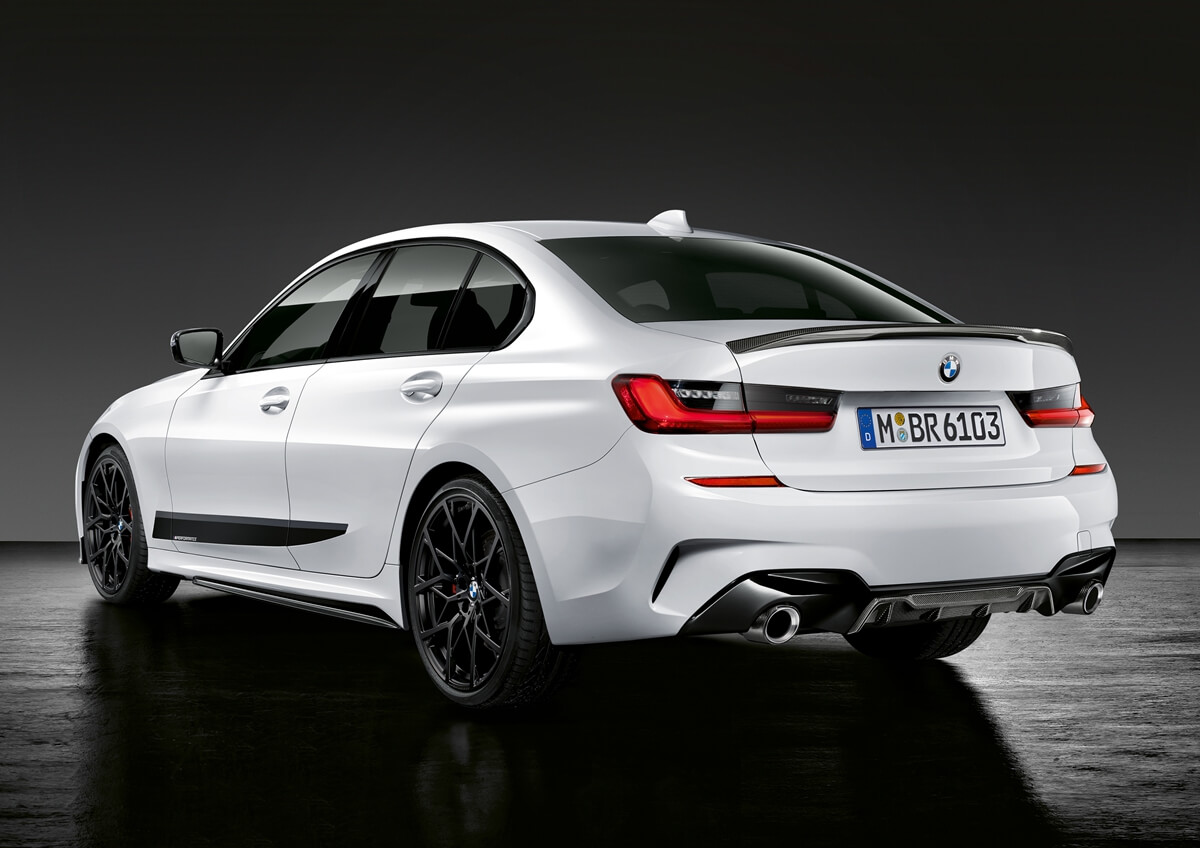 P90324581_highRes_the-new-bmw-3-series.jpg