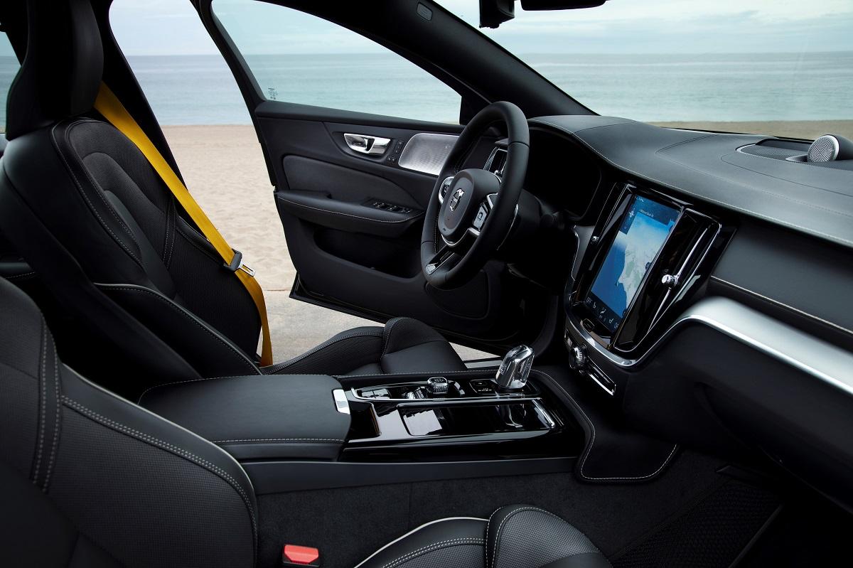 239382_New_Volvo_S60_Polestar_Engineered_interior.jpg