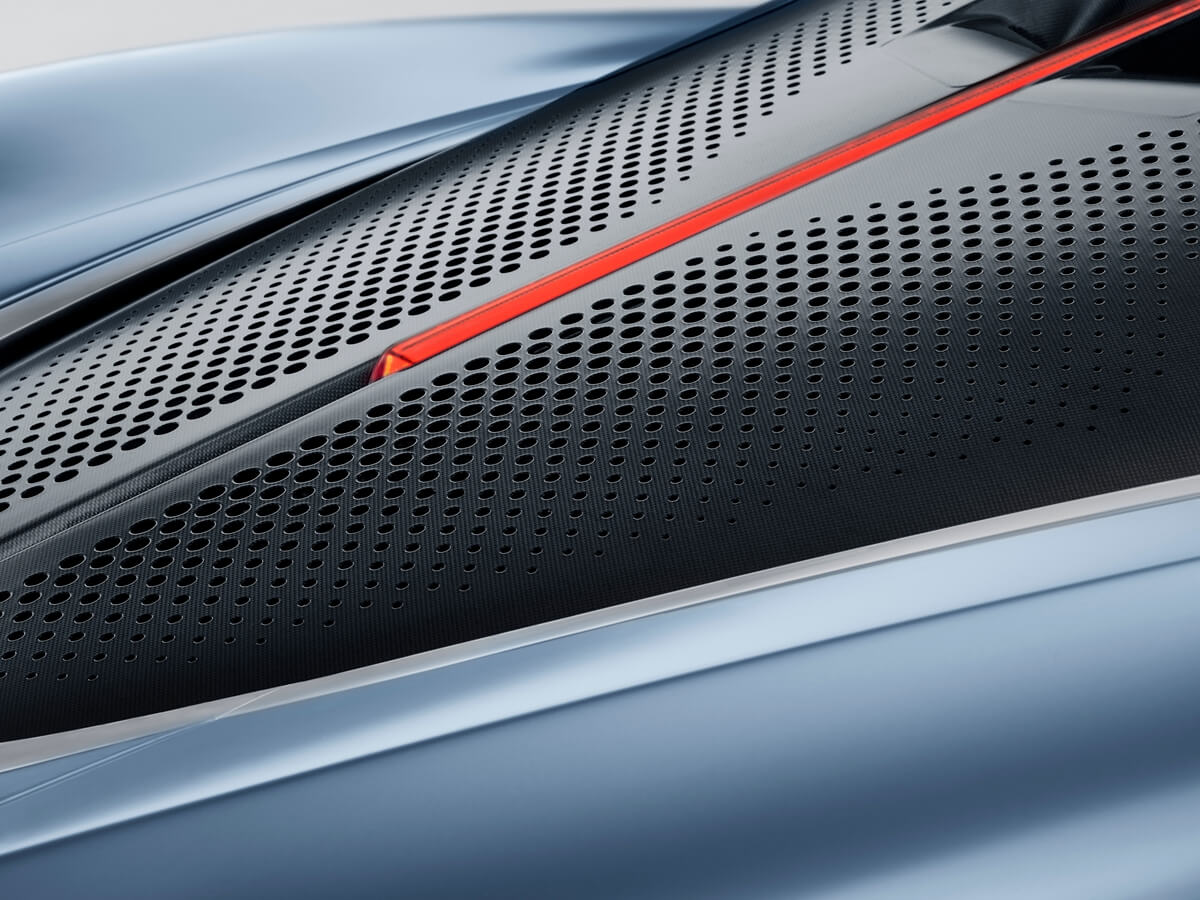 Large-9824-McLarenSpeedtail.jpg