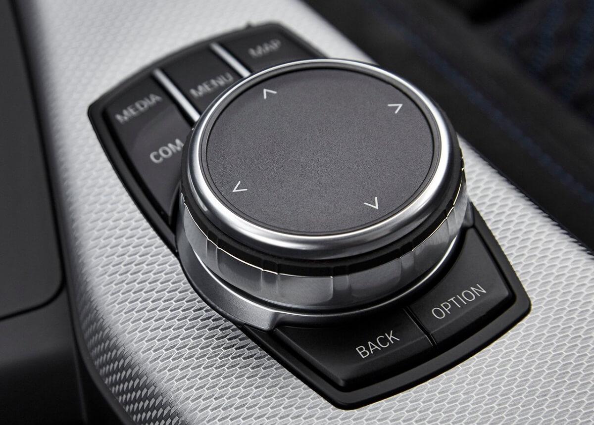BMW-M140i-2018-3.jpg