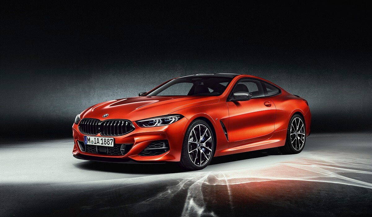 P90307459_highRes_the-all-new-bmw-8-se.jpg