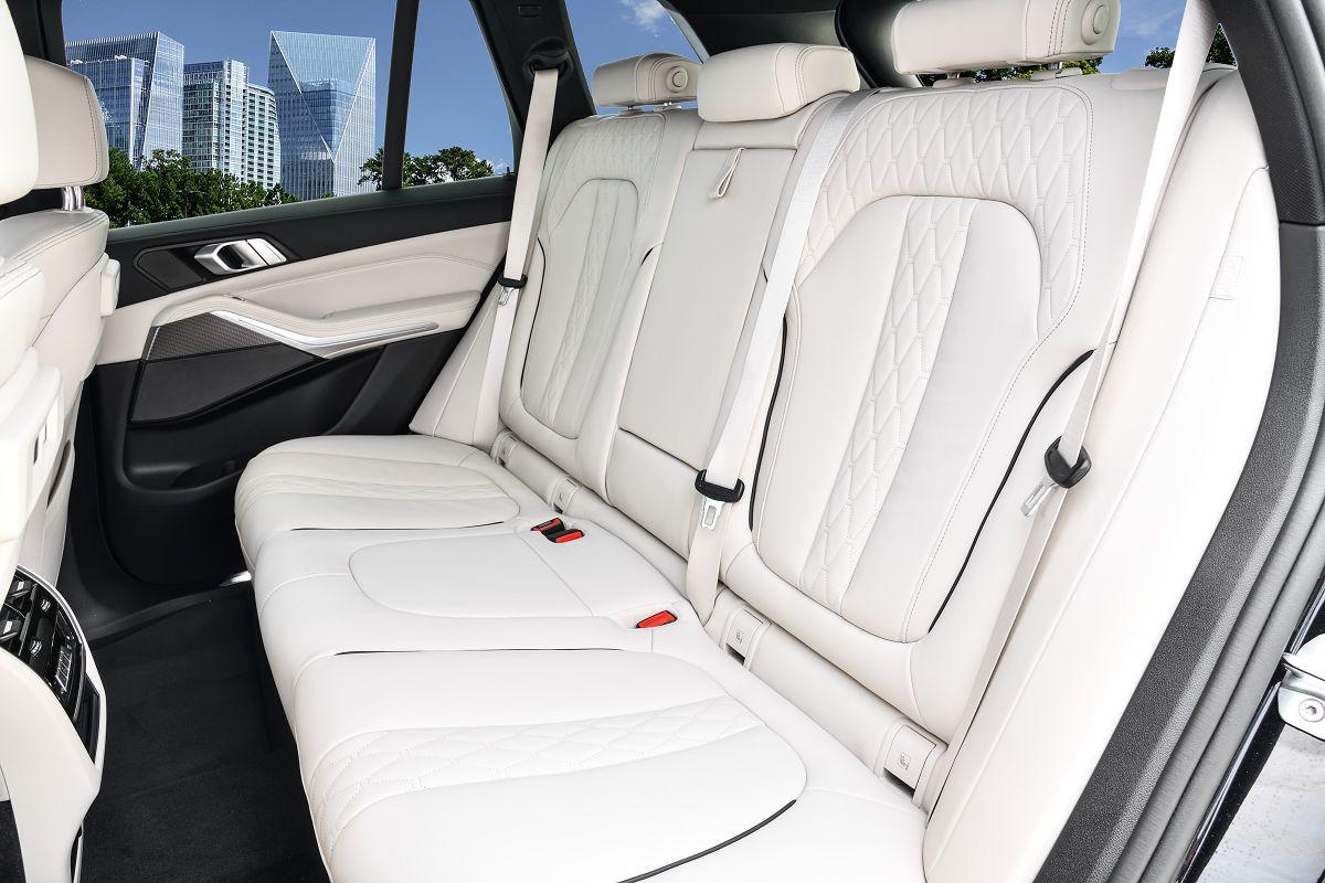 BMW X5 M50d062.jpg