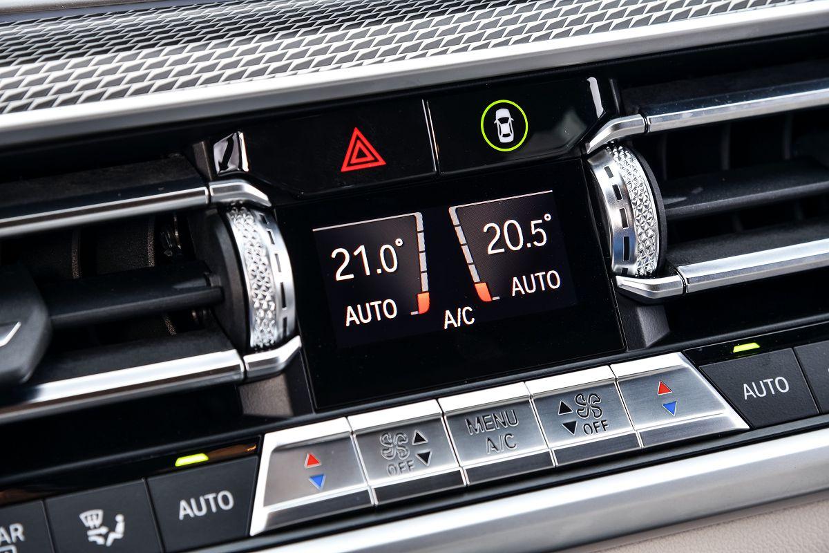 BMW X5 M50d070.jpg