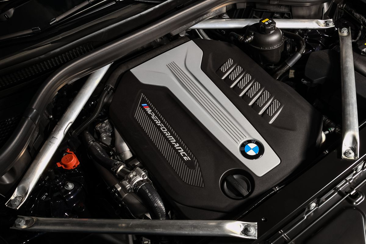 BMW X5 M50d082.jpg